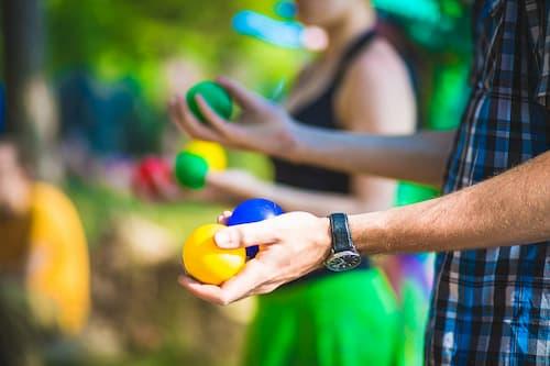 ball-hand-circus-balls-juggle-juggler-magician_t20_g1Pyj8 (1)